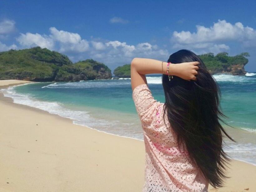 Pantai Watu Karung Pacitan Keindahan Surga Tersembunyi Jawa Pasir Putih