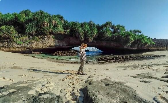 Primadona Pantai Srau Pacitan Jawa Timur Keindahan Paringkuku Kab