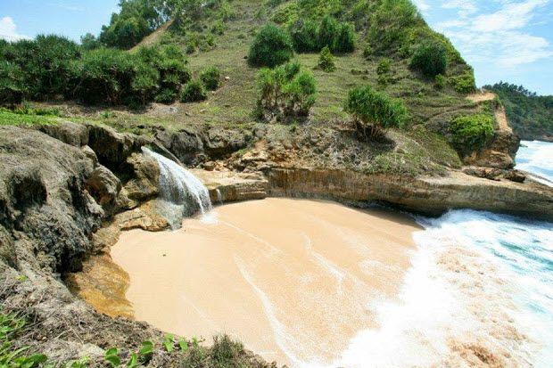Wisata Pantai Pacitan Lokasi Klayar Obyek Kabupaten Banyu Tibo Srau