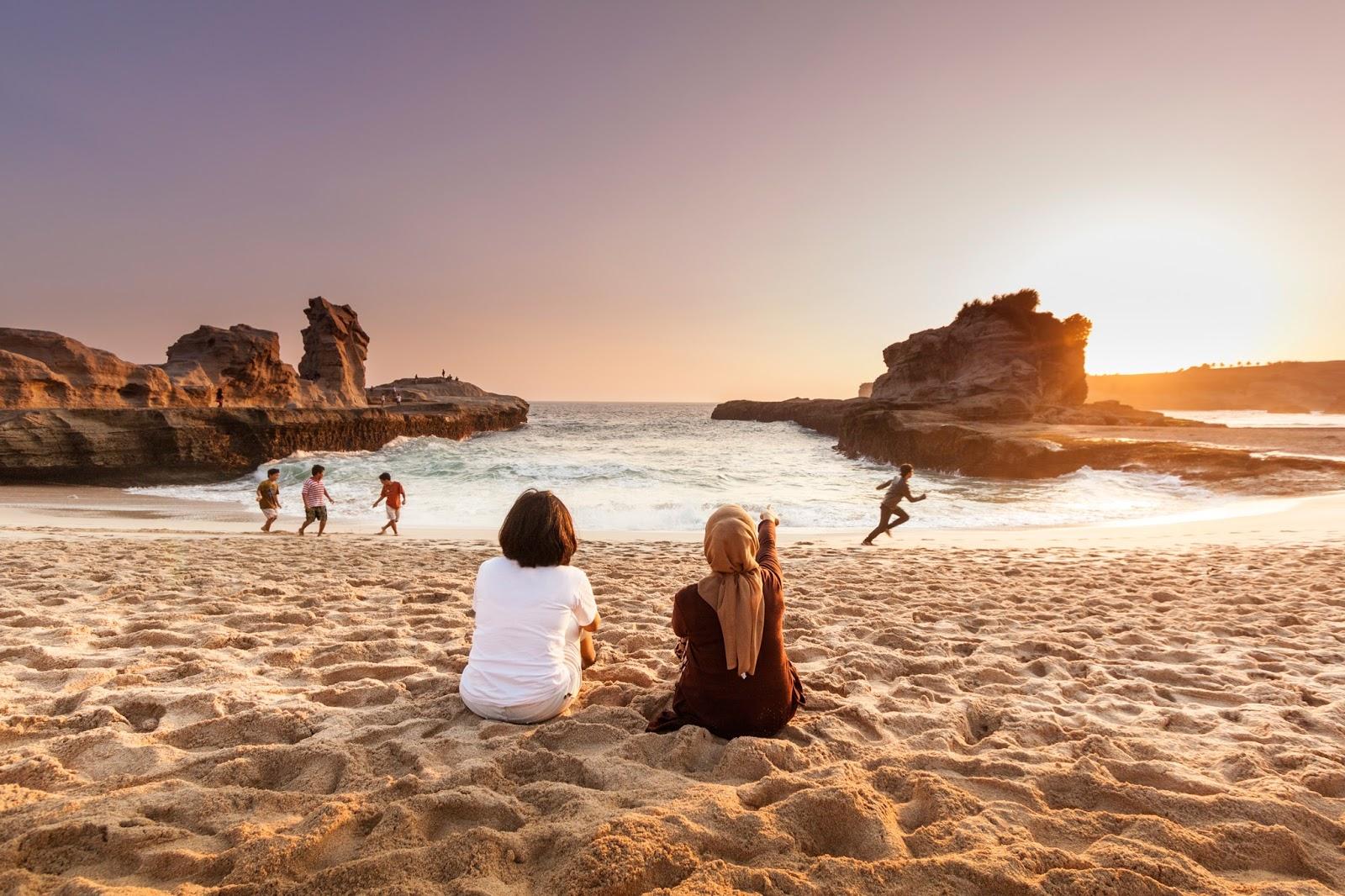 17 Pantai Elok Sepanjang Perairan Pacitan Pacitanku Kabupaten Teleng Ria
