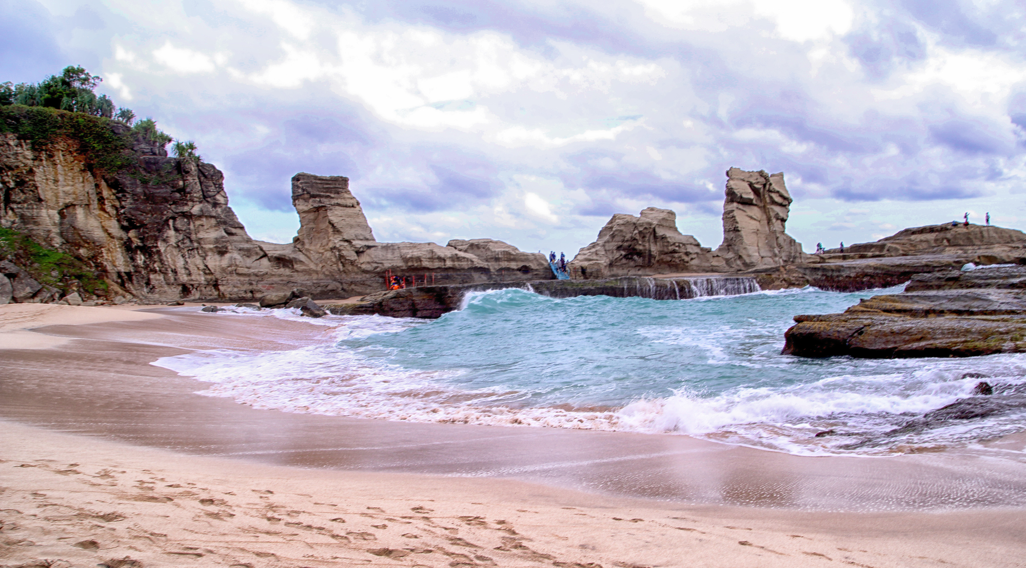 8 Pantai Pacitan Sayang Dilewatkan Klayar Teleng Ria Kab