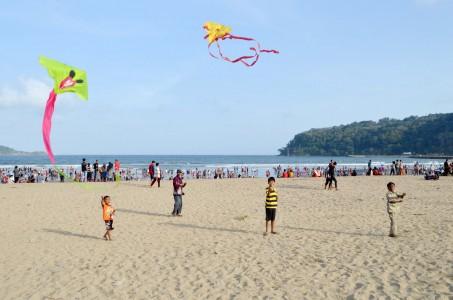Pantai Teleng Ria Alternatif Wisata Pacitan Jatim Merahputih Kab