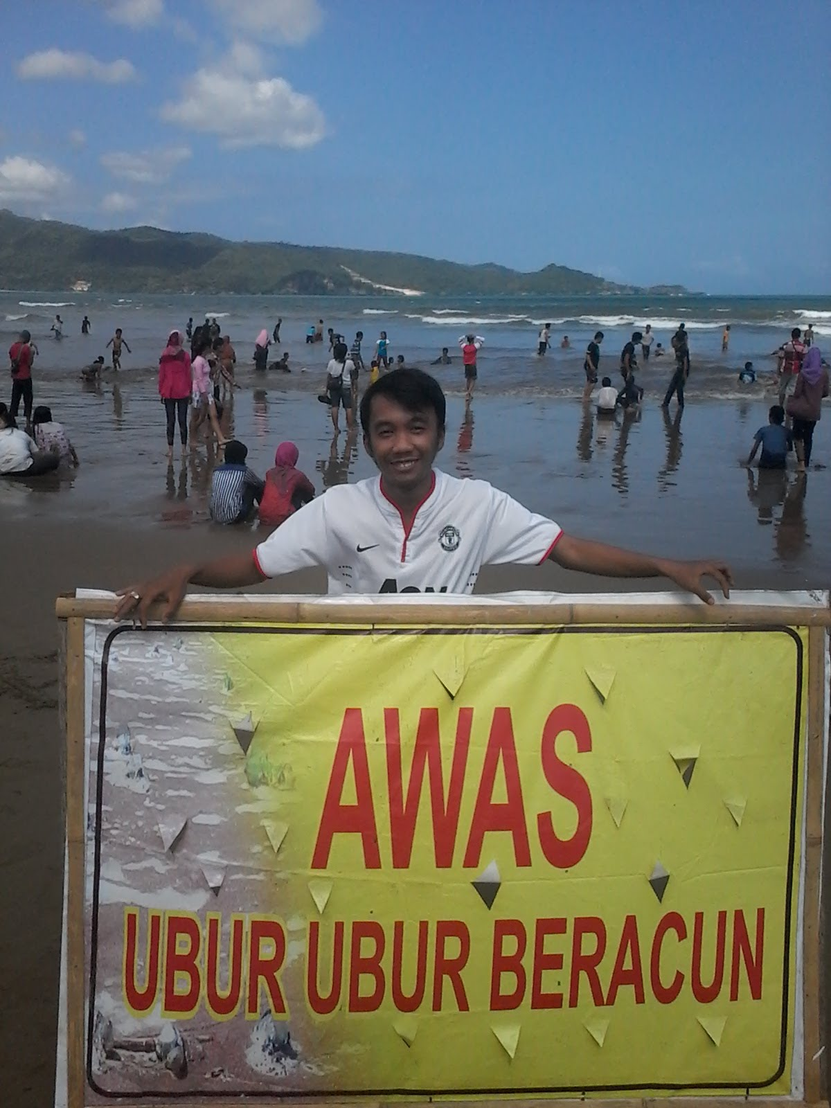 Pantai Teleng Ria Pacitan 2013 Ekonur Youtube Kab