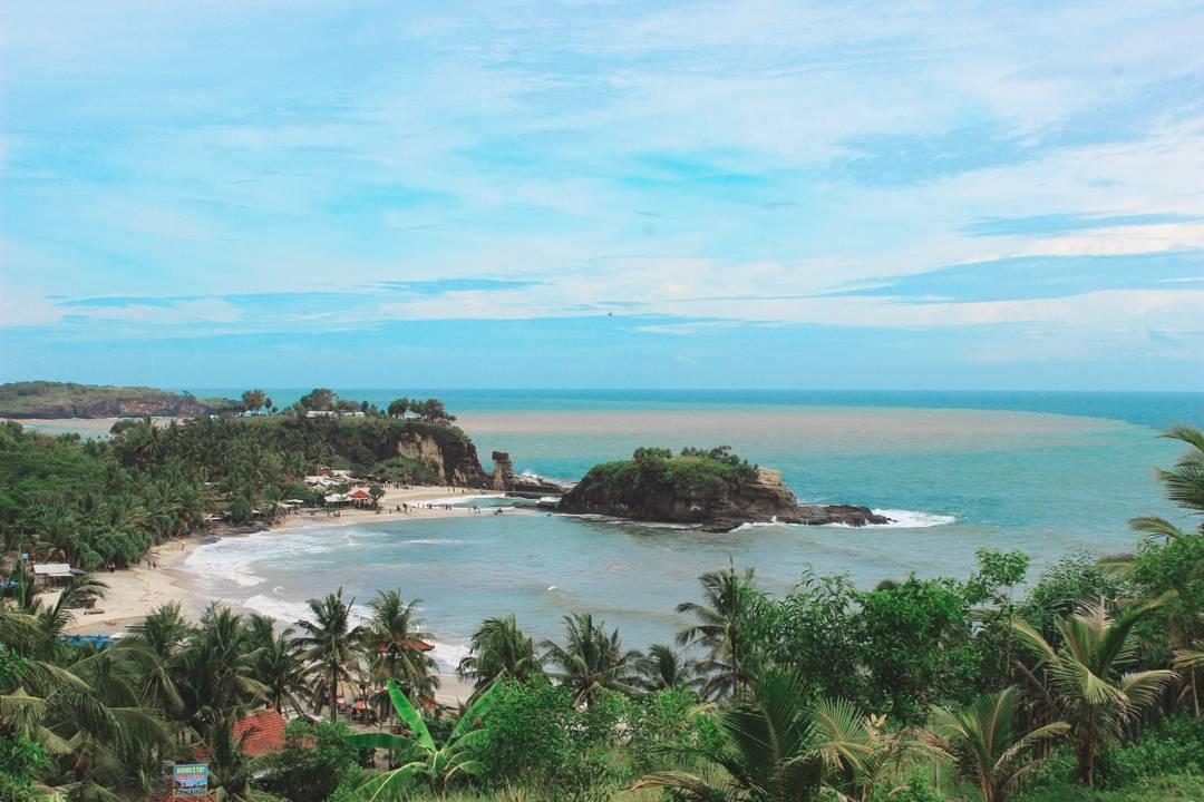 Pesona Seruling Laut Pantai Klayar Pacitan Jawa Timur Teleng Ria