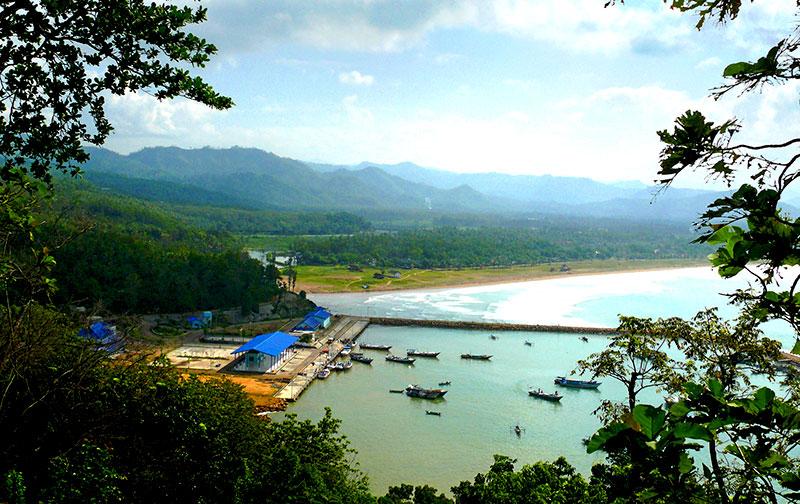 Tujuan Wisata Pantai Teleng Ria Pacitan Jawa Timur Obyek Kab