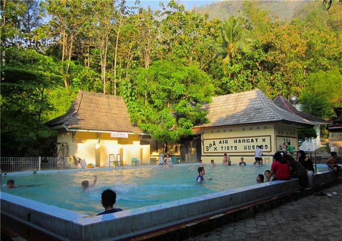7 Tempat Wisata Pacitan Jawa Timur Ayowisata99 Pemandian Banyu Anget