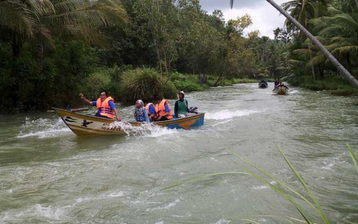 Libur Lebaran Kunjungan Wisata Pantai Watu Karung Pacitan Melonjak Drastis