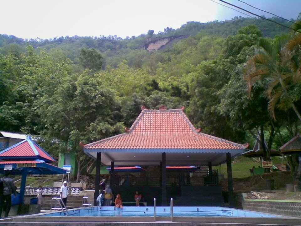 Pemandian Air Hangat Pacitanku Area Tirta Husada Foto Didik Banyu