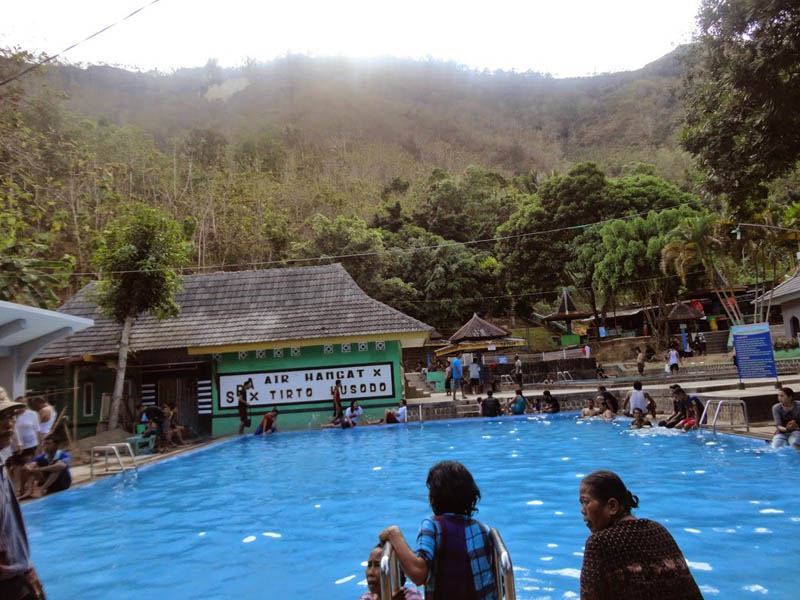 Pemandian Banyu Anget Pacitan Wisata Tirta Husada Kab