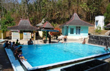 Pemandian Tirto Husodo Hidden Paradise Java Sumber Air Panas Lebih