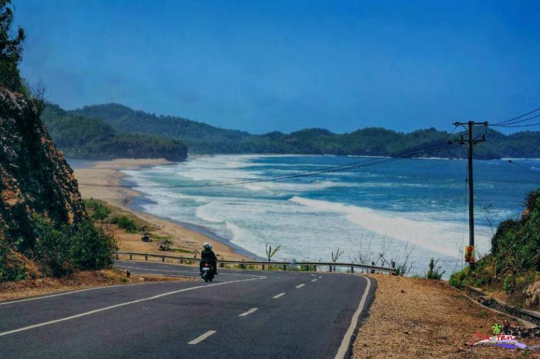 Tempat Wisata Pacitan Jawa Timur Info Pantai Soge Pemandian Banyu