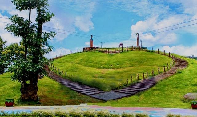 Bukit Cinta Destinasi Wisatawan Pulau Madura Sportourism Id Pamekasan Kab