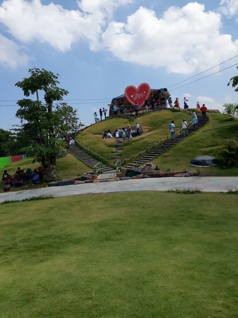Bukit Cinta Hati Spot Terbaru Eduwisata Selamat Pagi Madura Spm
