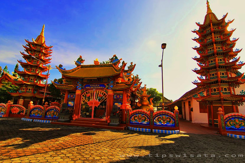 Penampakan Foto Vihara Avalokitesvara Bukit Cinta Madura Pamekasan Kab