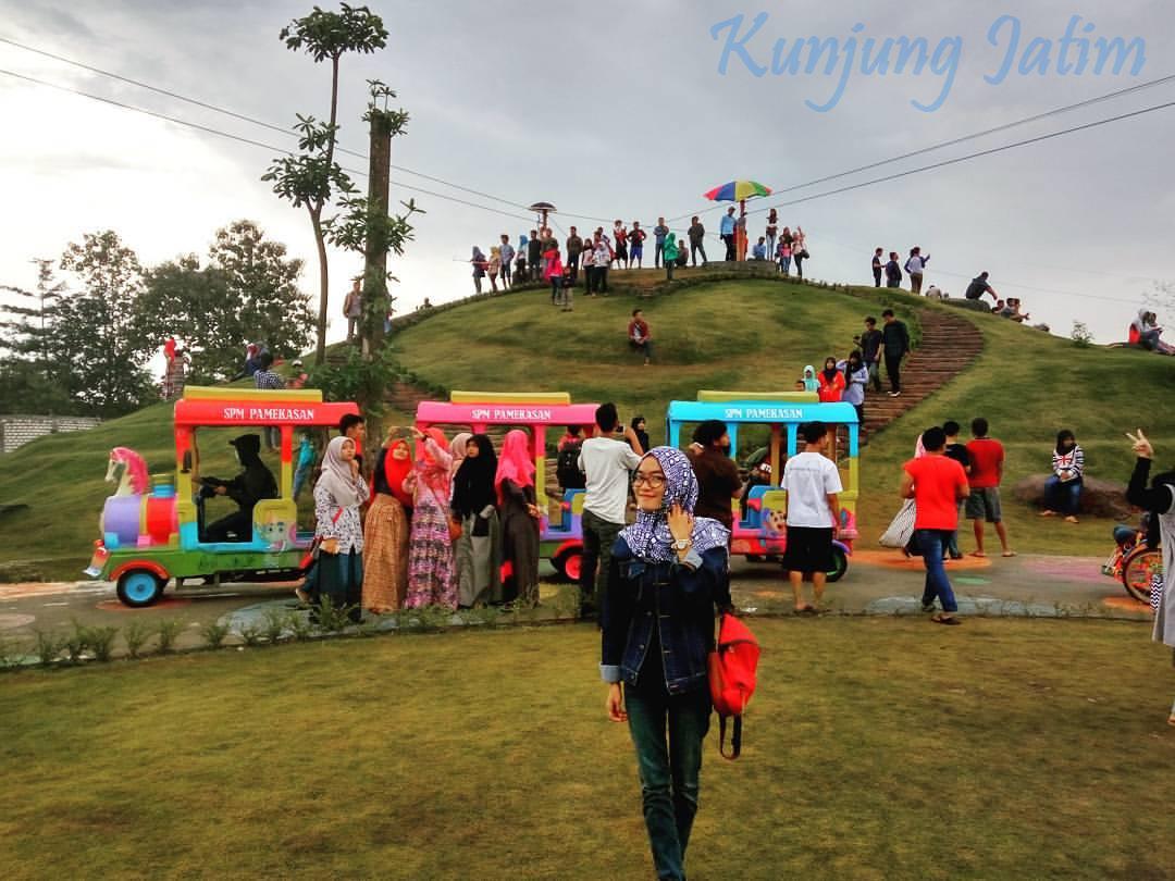 Wisata Rekreasi Bukit Cinta Selamat Pagi Madura Pamekasan Kab