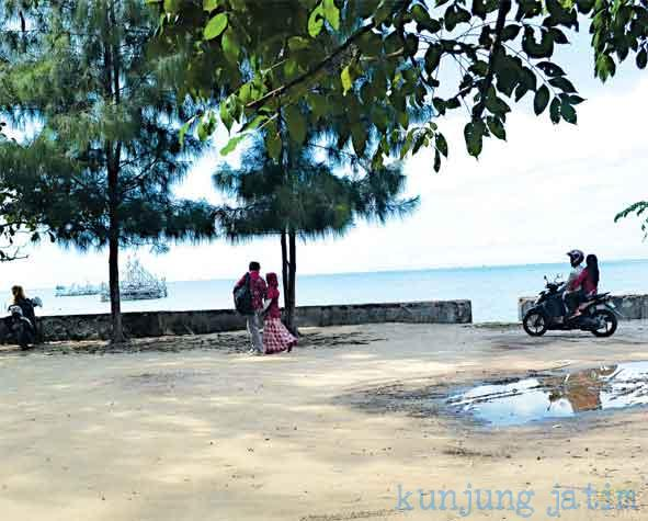 Muhammad Nouval Tempat Wisata Pamekasan Madura Pantai Talang Siring Berada
