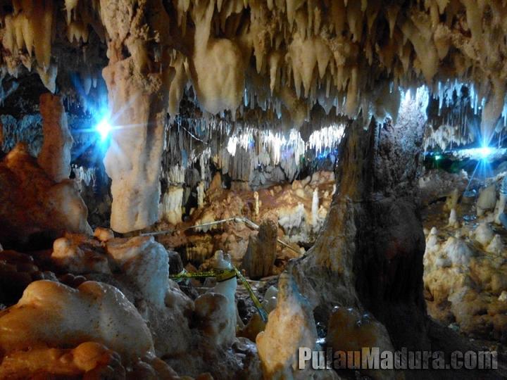 Obyek Wisata Gua Blaban Kec Batumarmar Pamekasan Gerbang Didalam Terdapat