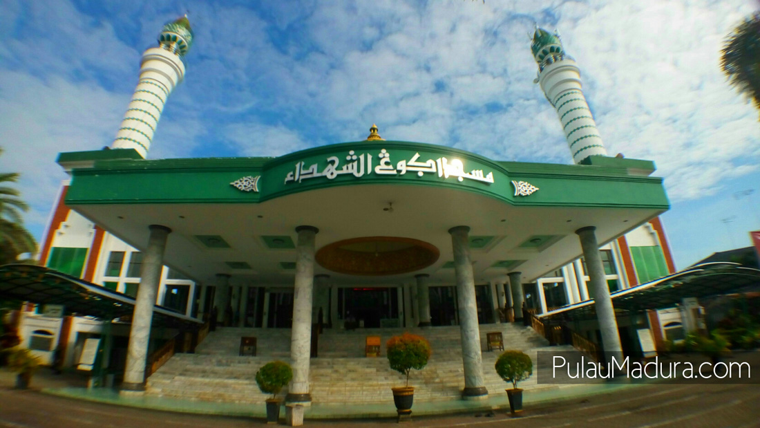 Obyek Wisata Religi Masjid Asy Syuhada Kabupaten Pamekasan Wana Kalian