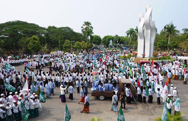 Anggota Dpr Lepas Pawai Santri Pamekasan Jatim Times Peristiwa Monumen