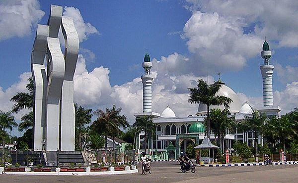 Indahnya Monumen Lancor Madura Kabardunia Nasional Arek Kab Pamekasan