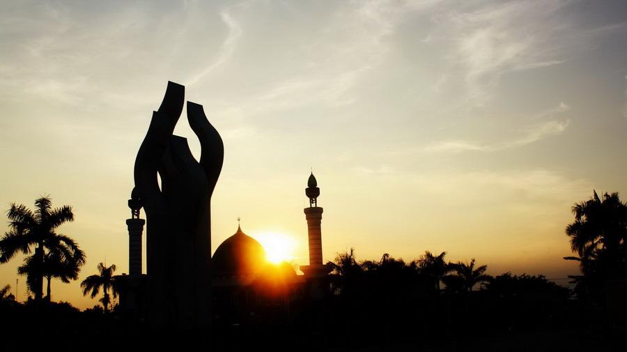 Muhammad Nouval Tempat Wisata Pamekasan Madura Kabupaten Memiliki Monumen Khusus