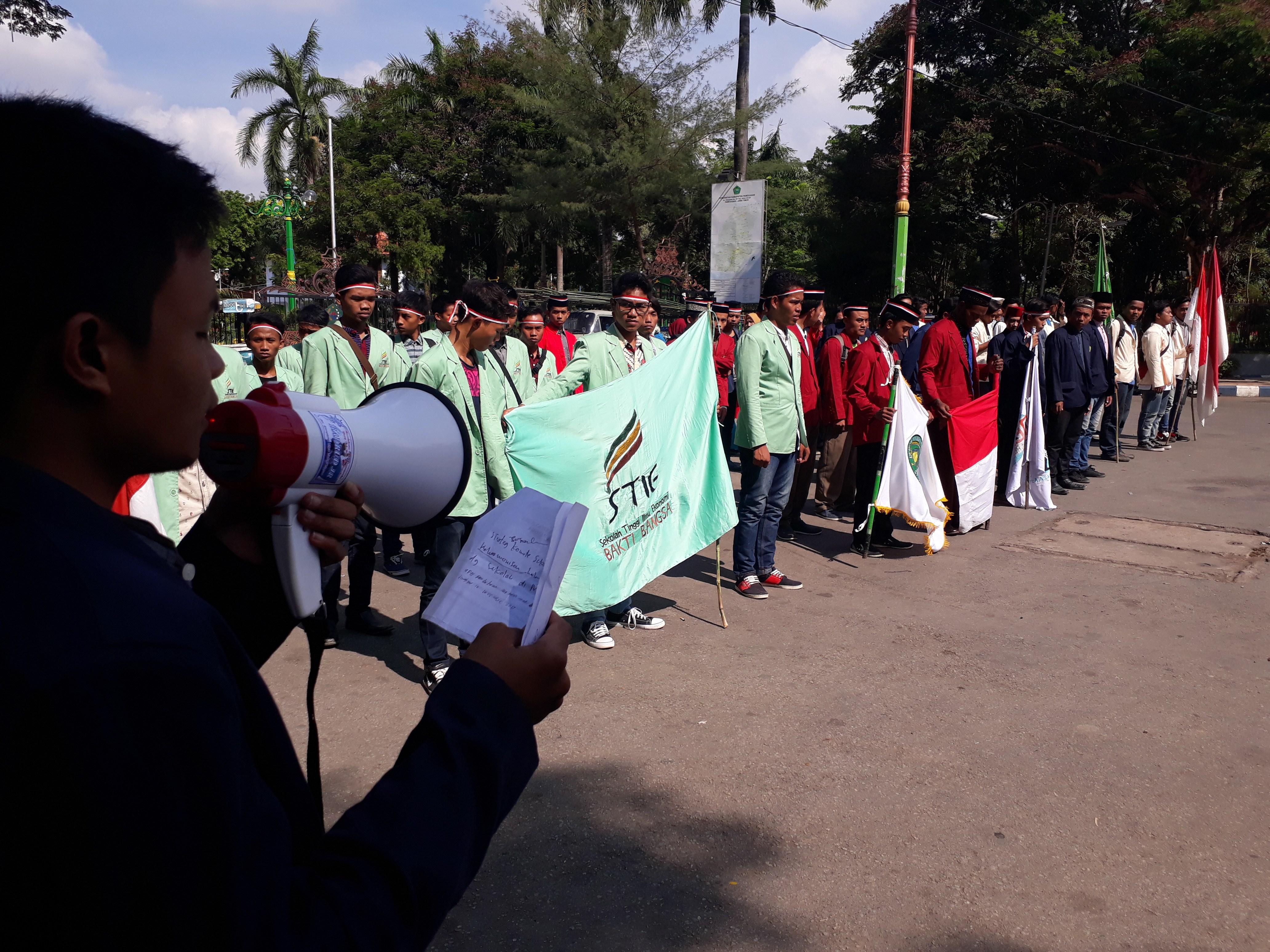 Peringati Hari Pahlawan Mahasiswa Pamekasan Gelar Upacara Perguruan Tinggi Kabupaten
