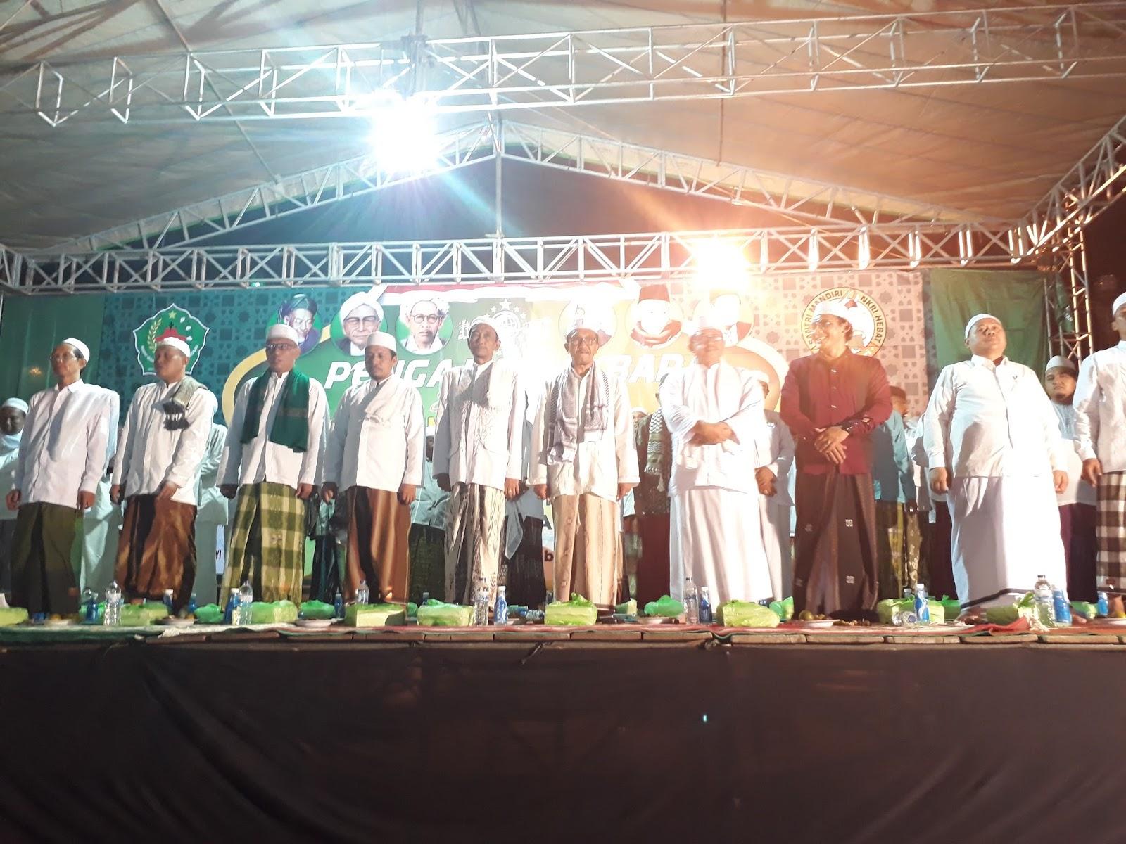 Ribuan Santri Kab Pamekasan Padati Pengajian Akbar Hari Nasional Hsn