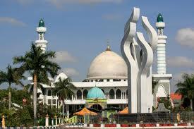 Sejarah Kabupaten Pamekasan Madura Kliping Masjid Jami Monumen Arek Lancor