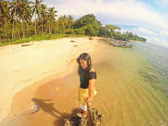 13 Tempat Wisata Kabupaten Pendeglang Sunset Java Pantai Batu Hideung