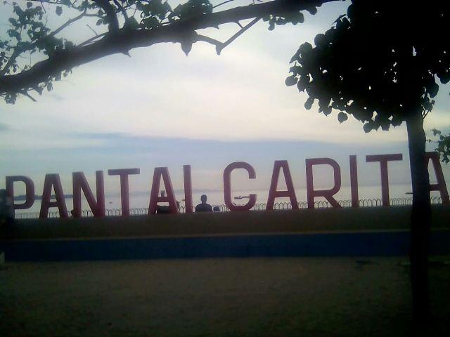 Beri Kenyamanan Wisatawan Pantai Carita Dibersihkan Pedagang Kabupaten Pandeglang Poto