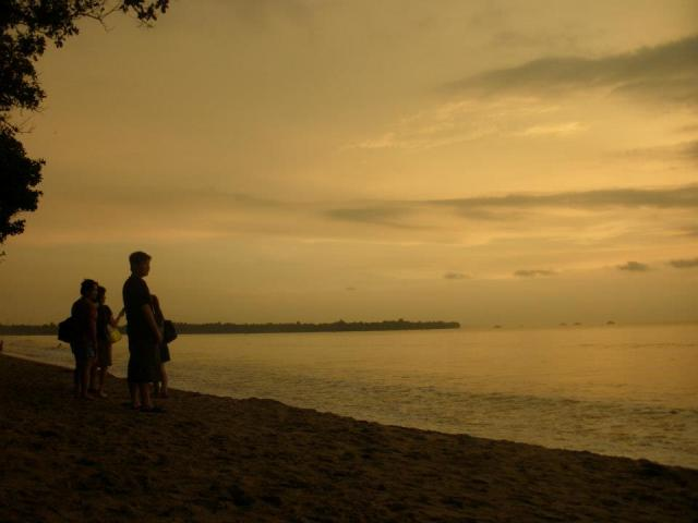 Berlibur Pantai Anyer Carita Home Salah Satu Dikunjungi Oleh Wisatawan