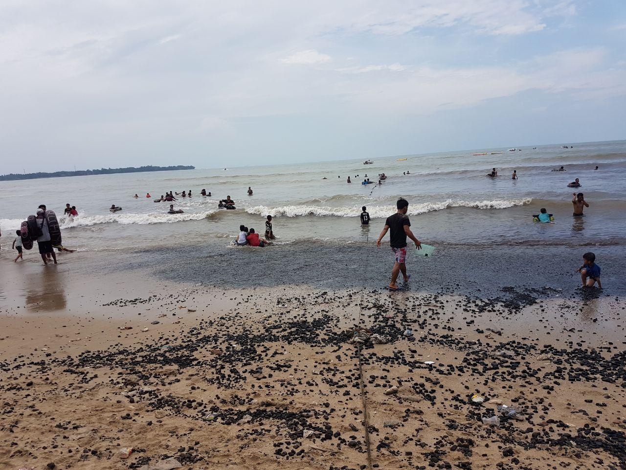 Dispar Desak Pemilik Kapal Segera Bersihkan Pantai Carita Krakatau Kondisi