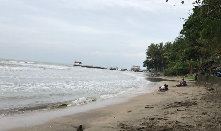 Pesona Keindahan Wisata Pantai Karangsari Carita Labuan Pandeglang Banten Kab
