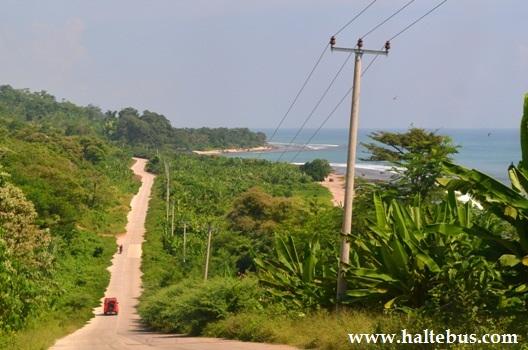 Haltebus Situs Informasi Bus Indonesia Sepanjang Jalan Bersisian Pantai Selepas