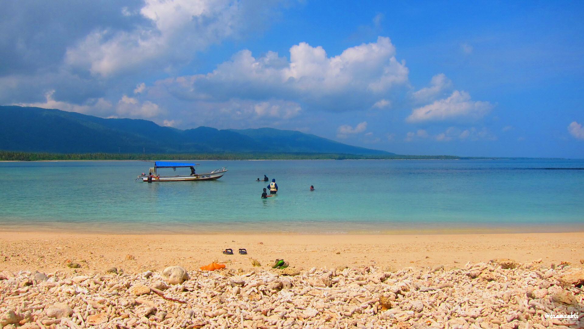 Panaroma Wisata Pantai Ciputih Pandeglang Keindahan Kab