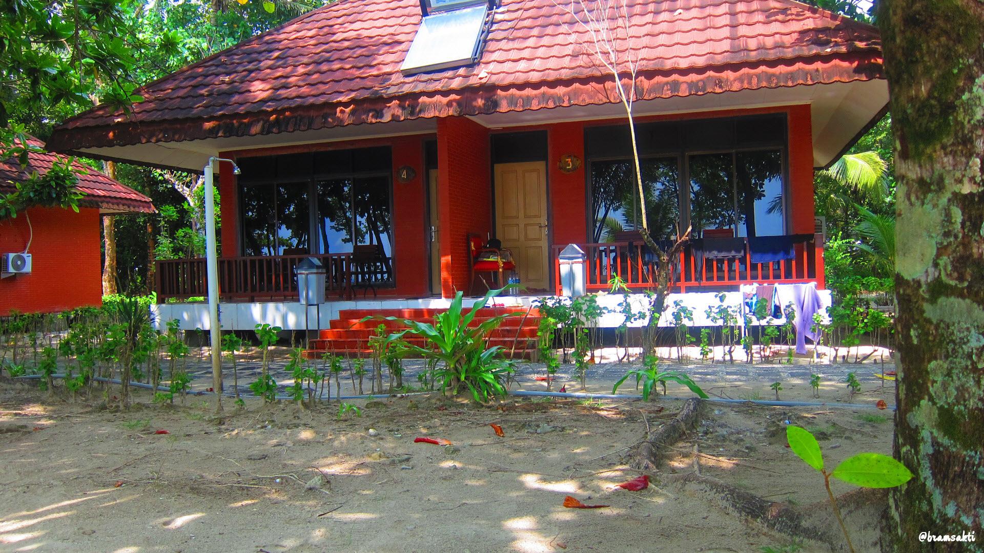 Pantai Ciputih Pandeglang 17 2012 Traveselly Resor Letak Cottage 5m