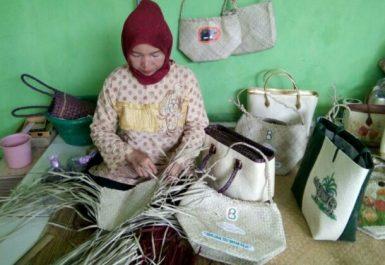 Wisata Belanja Pandeglang Banten Kabupaten Ibukotanya Propinsi Wilayahnya Mencakup Pulau