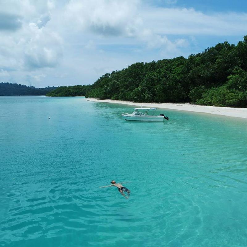 21 Tempat Wisata Banten Wajib Kamu Kunjungi Pulau Peucang Selat