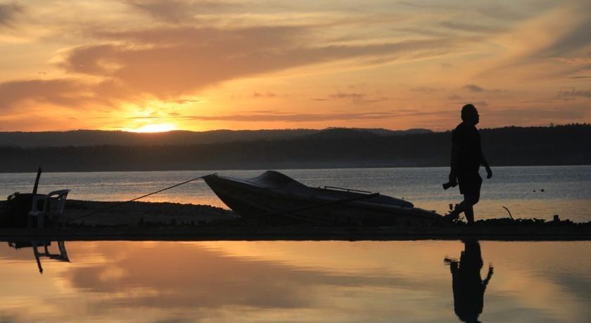 Pulau Umang Resort Pandeglang Booking Cek Info Hotel Pemandangan Kab