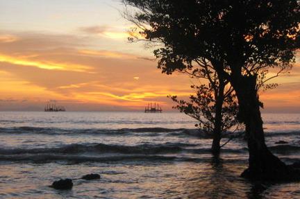 Senja Pulau Umang Banten Catatan Perjalanan Yusuf Iskandar Kab Pandeglang