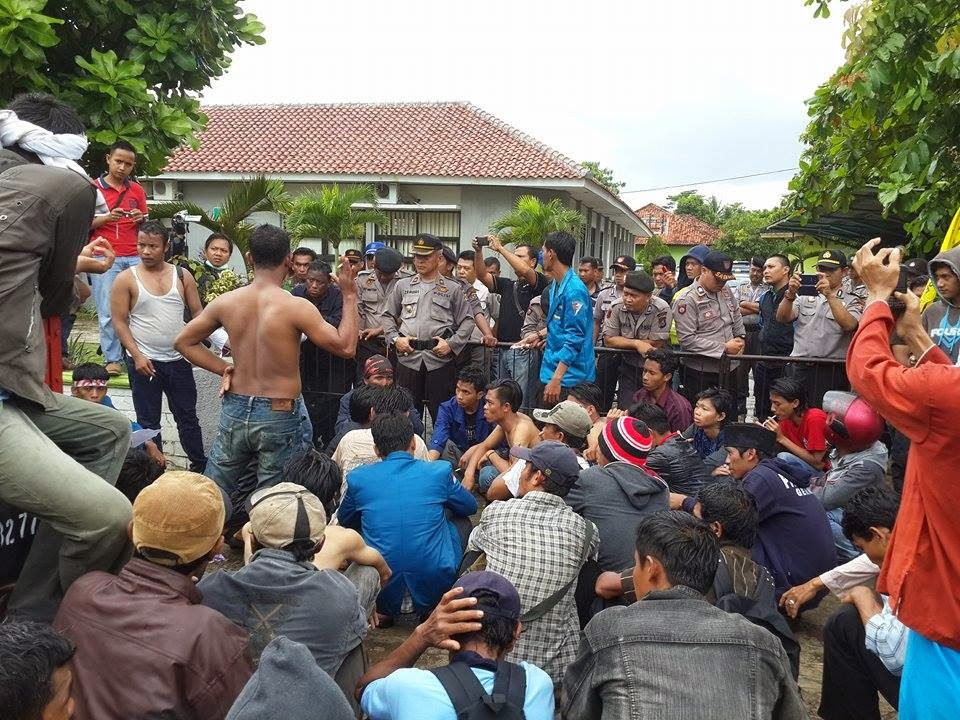 Btnuk Kembali Didemo Masyarakat Ujungjaya Krakatau Radio Labuan Puluhan Desa
