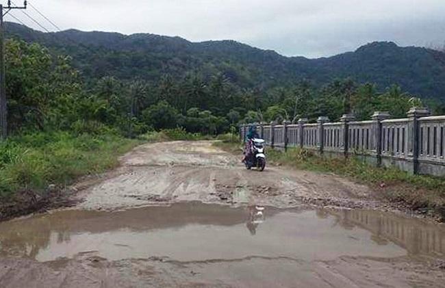 Jalan Raya Sumur Menuju Tnuk Tak Tersentuh Pembangunan Bidikbanten Suasana