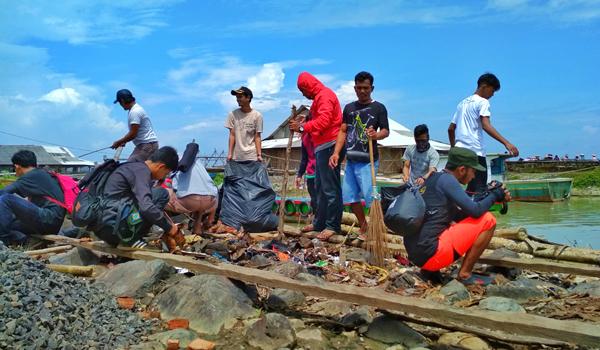 Peringati Hari Peduli Sampah Nasional Relawan Gebrak Taman Ujung Kulon
