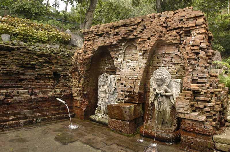 Destinasi Wisata Sejarah Candi Belahan Pasuruan Kab