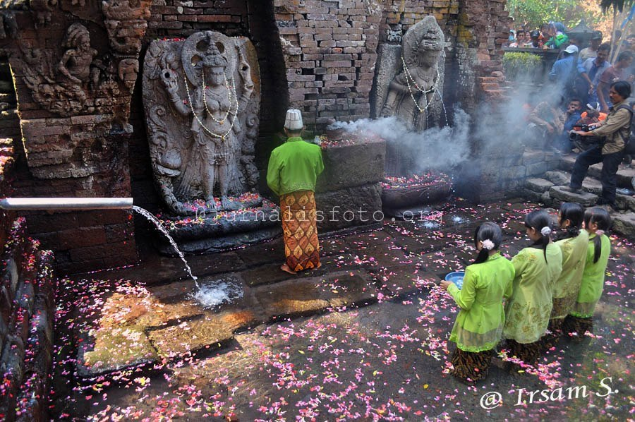Mei 2013 Puskor Hindunesia Petirtaan Belahan Kadang Disebut Candi Bangunan