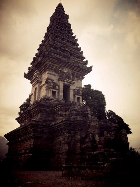 10 Tujuan Wisata Kabupaten Pasuruan Beritau Net Candi Jawi Jatim