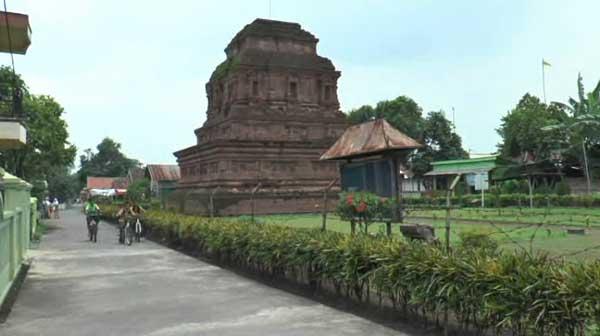 Candi Gunung Gangsir Makin Ditinggalkan Pengunjung Pojok Pitu Kab Pasuruan
