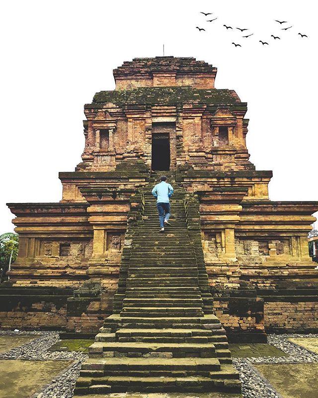 Posts Tagged Pariwisatapasuruan Picbear Ojo Lali Sejarahmu Rek Ilingen Yen