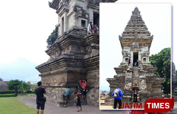 Candi Jawi Tak Sepi Pengunjung Jatim Times Wisata Mengambil Gambar