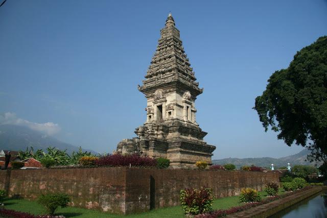 Jawi Temple Prigen Pasuruan Mynameamiko Blogspot Candi Kab